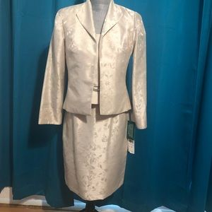 Mother of the bride champagne color 3 piece suit